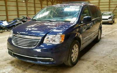 202_Chrysler Town Country 2015